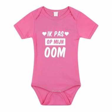 Ik pas op mijn oom cadeau baby rompertje roze voor meisjes