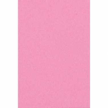 Meisjes 2x licht roze papieren tafelkleden 137 x 274 cm