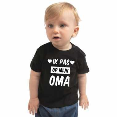 Meisjes ik pas op mijn oma cadeau t shirt zwart baby jongen/meisje
