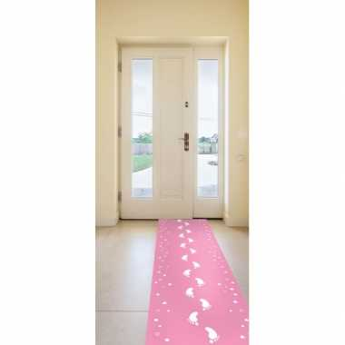 Meisjes roze loper met baby voetjes