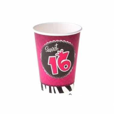 Meisjes sweet 16 kartonnen bekers 16x stuks feestartikelen