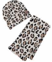 Beige bruine panterprint luipaardprint meisjes winter accessoires set muts sjaal